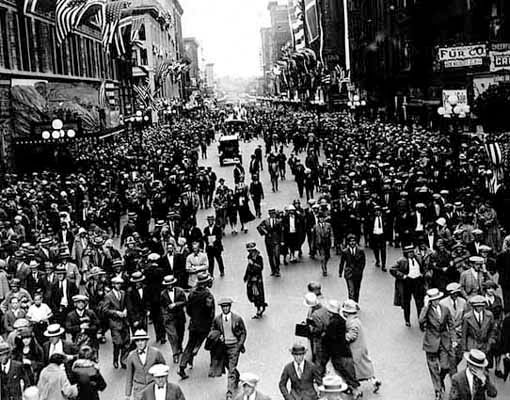 Once upon a time: Nicollet Ave after the Norse-American Centennial Parade in 1925